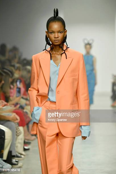 Model walks the runway during the Christian Wijnants Womenswear Spring/Summer 2020 show as part of Paris Fashion Week on September 27, 2019 in Paris,...