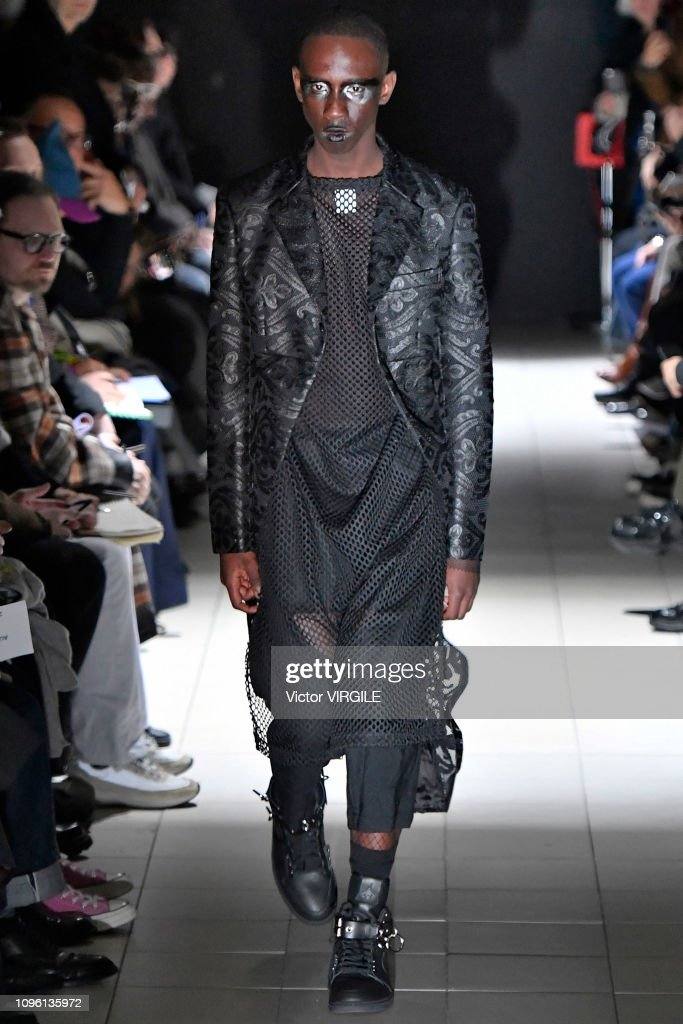 Comme Des Garcons Homme Plus : Runway - Paris Fashion Week - Menswear F/W 2019-2020 : ニュース写真