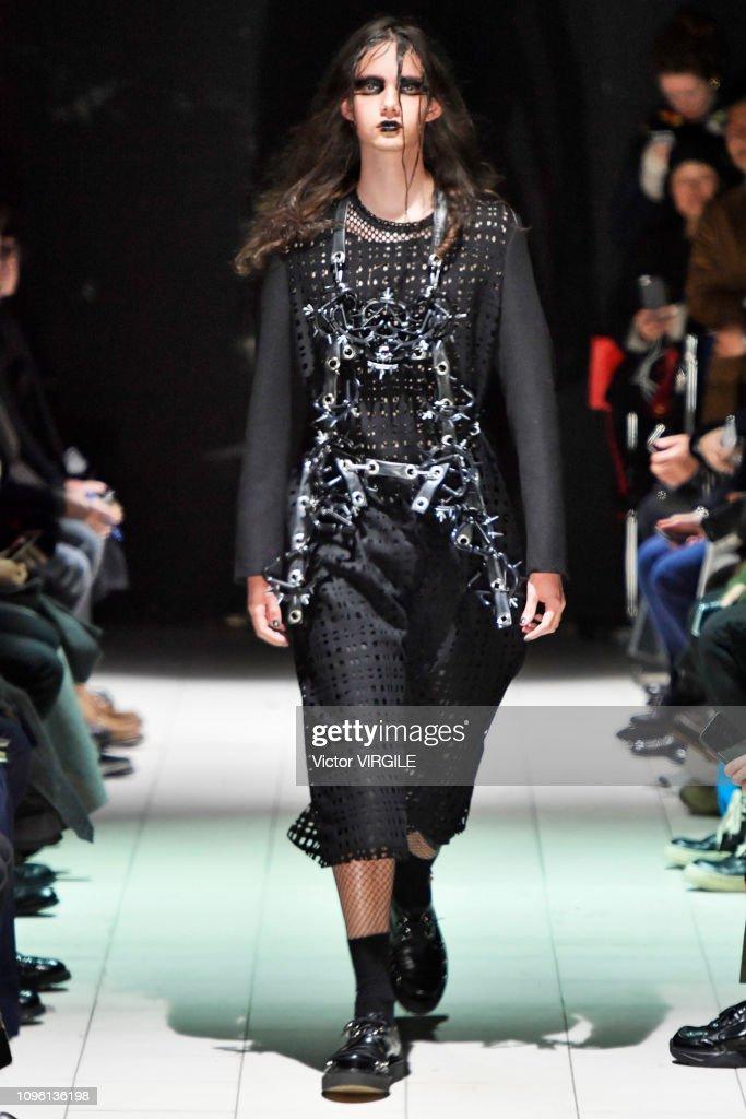 Comme Des Garcons Homme Plus : Runway - Paris Fashion Week - Menswear F/W 2019-2020 : ニュース写真