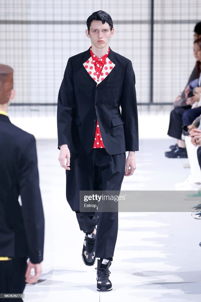 Comme des Garcons: Runway - Paris Fashion Week - Menswear Spring/Summer 2019 : ニュース写真