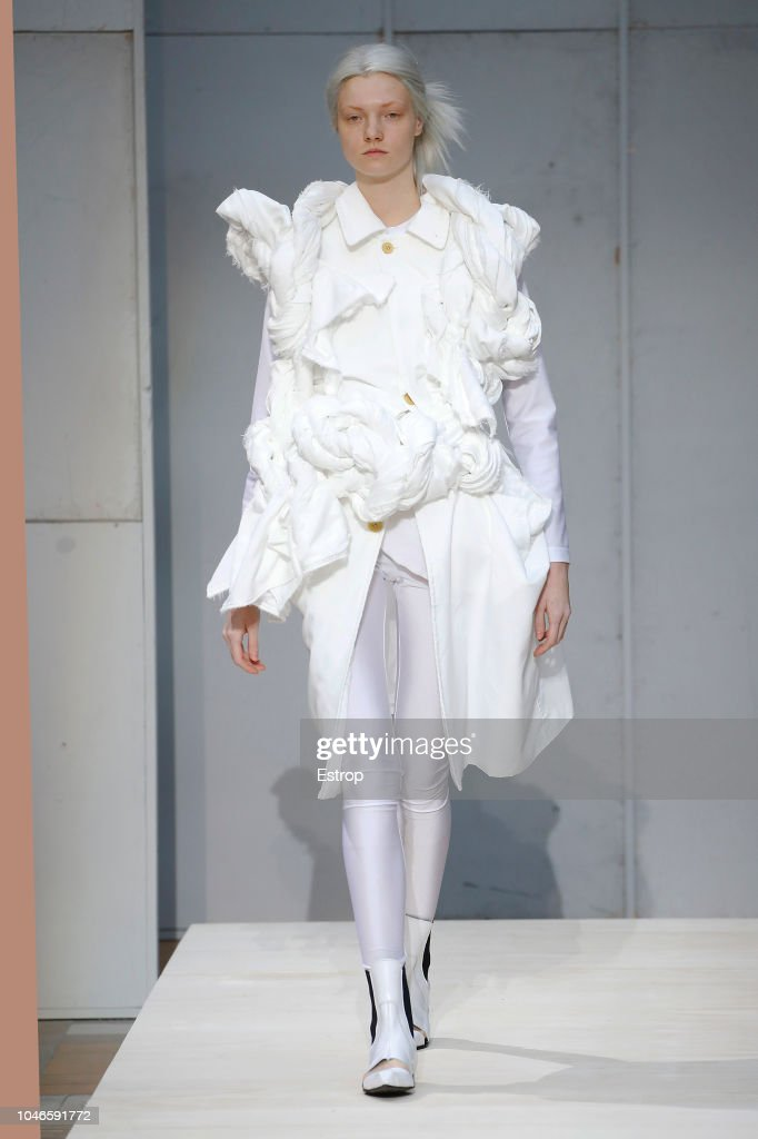 Comme Des Garcons : Runway - Paris Fashion Week Womenswear Spring/Summer 2019 : ニュース写真