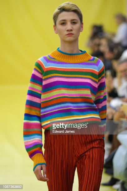 A model walks the runway during the Dalood Spring/Summer 2019 Collection fashion show at MercedesBenz Fashion Week Tbilisi on November 4 2018 in...