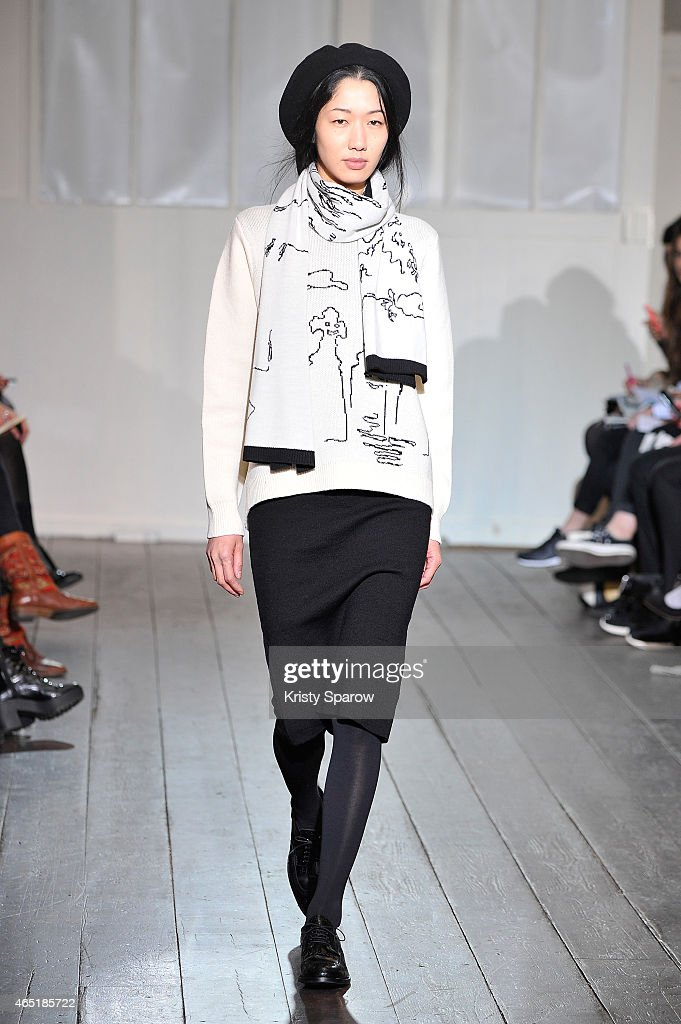 Devastee : Runway - Paris Fashion Week Womenswear Fall/Winter 2015/2016 : News Photo