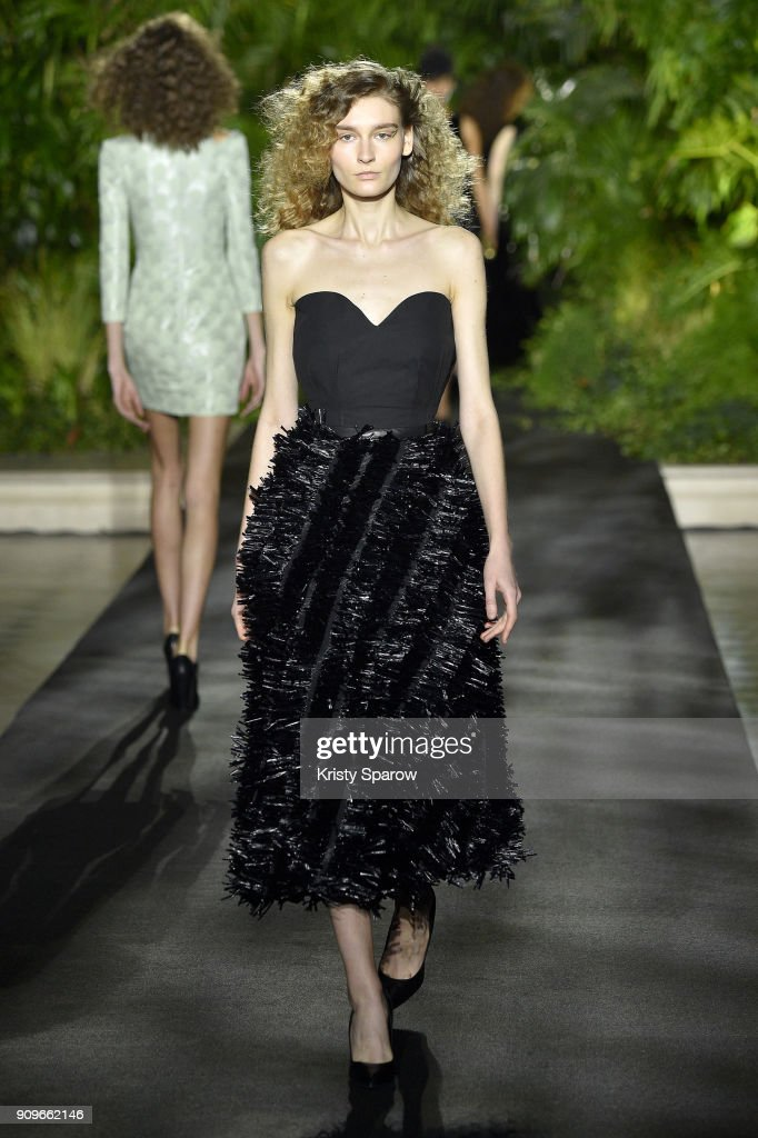 model-walks-the-runway-during-the-didit-hediprasetyo-spring-summer-picture-id909662146