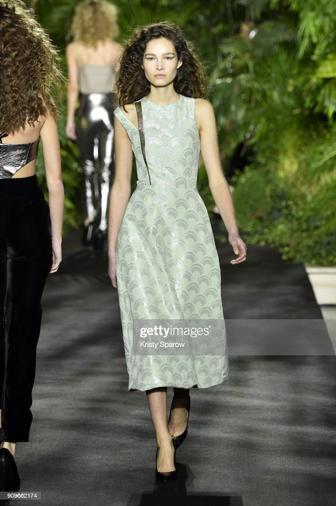 model-walks-the-runway-during-the-didit-hediprasetyo-spring-summer-picture-id909662174