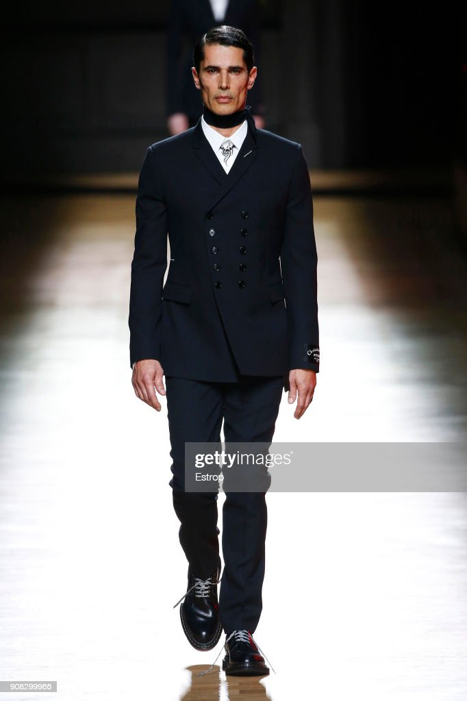 Dior Homme : Runway - Paris Fashion Week - Menswear F/W 2018-2019 : Nachrichtenfoto