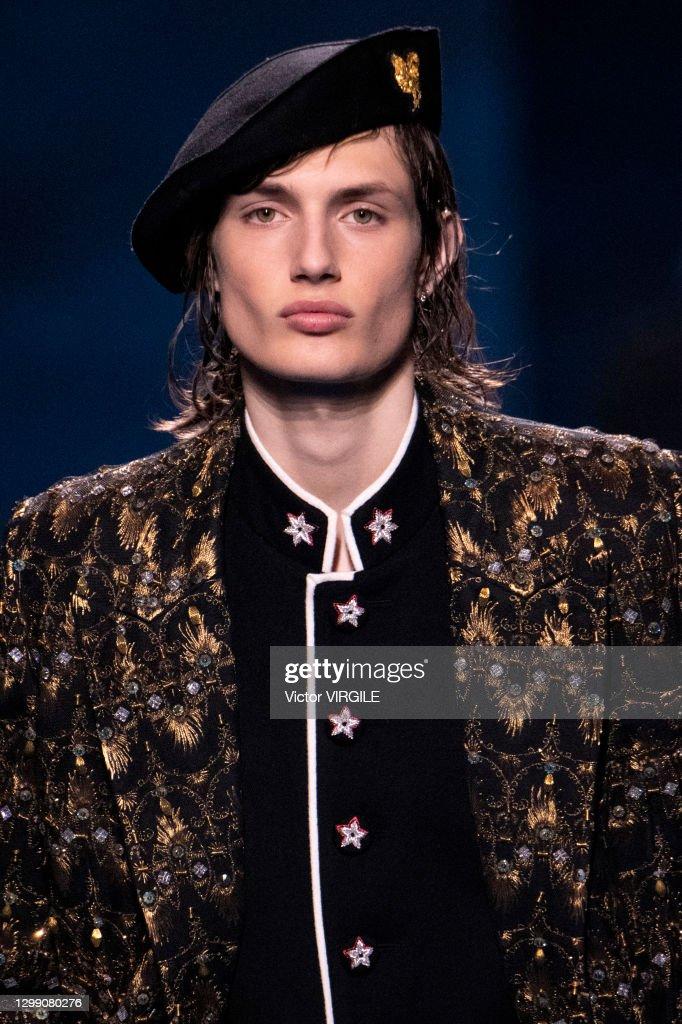 Dior Hommes - Runway - Fall/Winter 2021 2022 Paris Men Fashion Week : News Photo