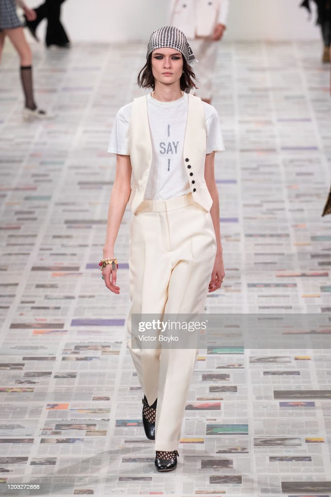 Dior : Runway - Paris Fashion Week Womenswear Fall/Winter 2020/2021 : Nieuwsfoto's
