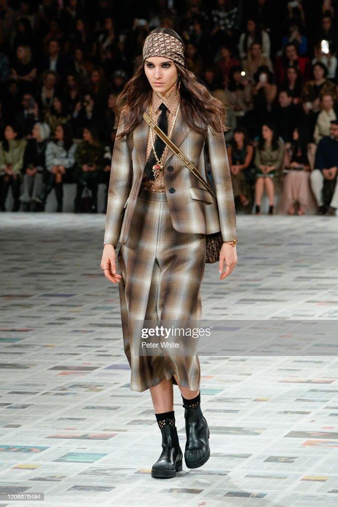 Dior : Runway - Paris Fashion Week Womenswear Fall/Winter 2020/2021 : News Photo