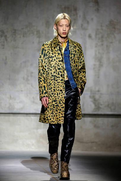FRA: Dries Van Noten : Runway - Paris Fashion Week - Menswear F/W 2020-2021