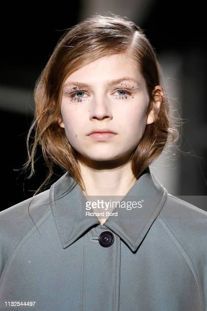 Model walks the runway during the Dries Van Noten show as part of the Paris Fashion Week Womenswear Fall/Winter 2019/2020 on February 27, 2019 in...