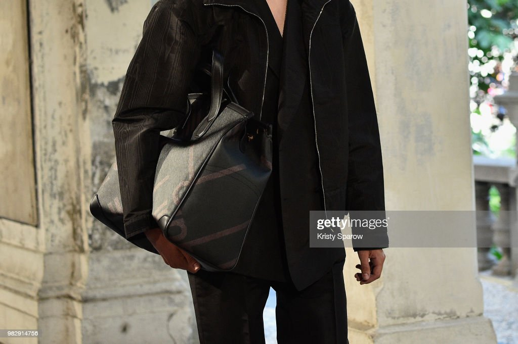 Dunhill London: Runway Details - Paris Fashion Week - Menswear Spring/Summer 2019