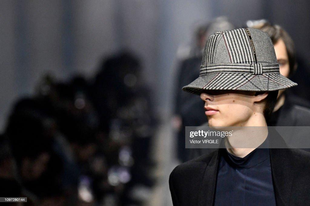 Dunhill London : Runway - Paris Fashion Week - Menswear F/W 2019-2020 : ニュース写真