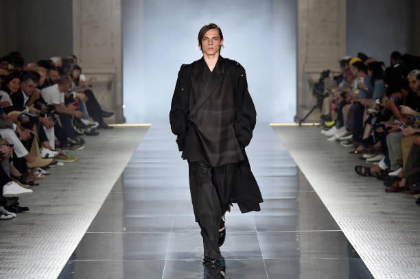 FRA: Dunhill : Runway - Paris Fashion Week - Menswear Spring/Summer 2020