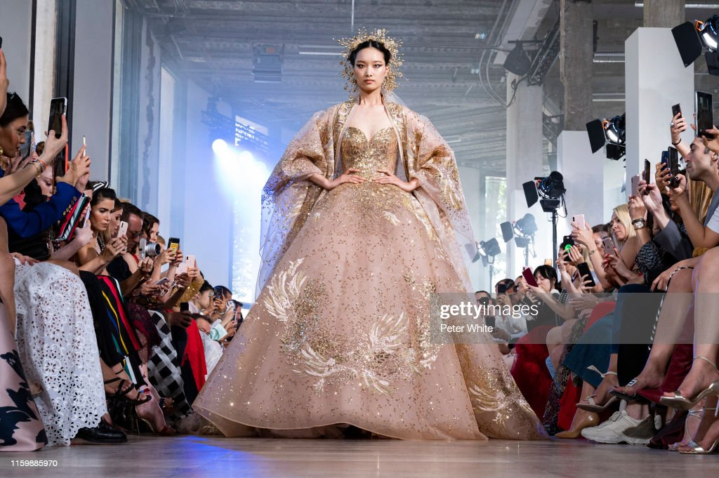 Elie Saab : Runway - Paris Fashion Week - Haute Couture Fall/Winter 2019/2020 : News Photo