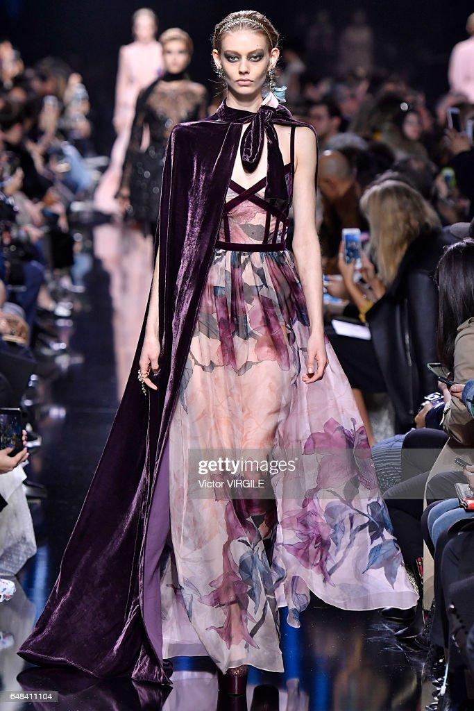 Elie Saab : Runway - Paris Fashion Week Womenswear Fall/Winter 2017/2018 : News Photo