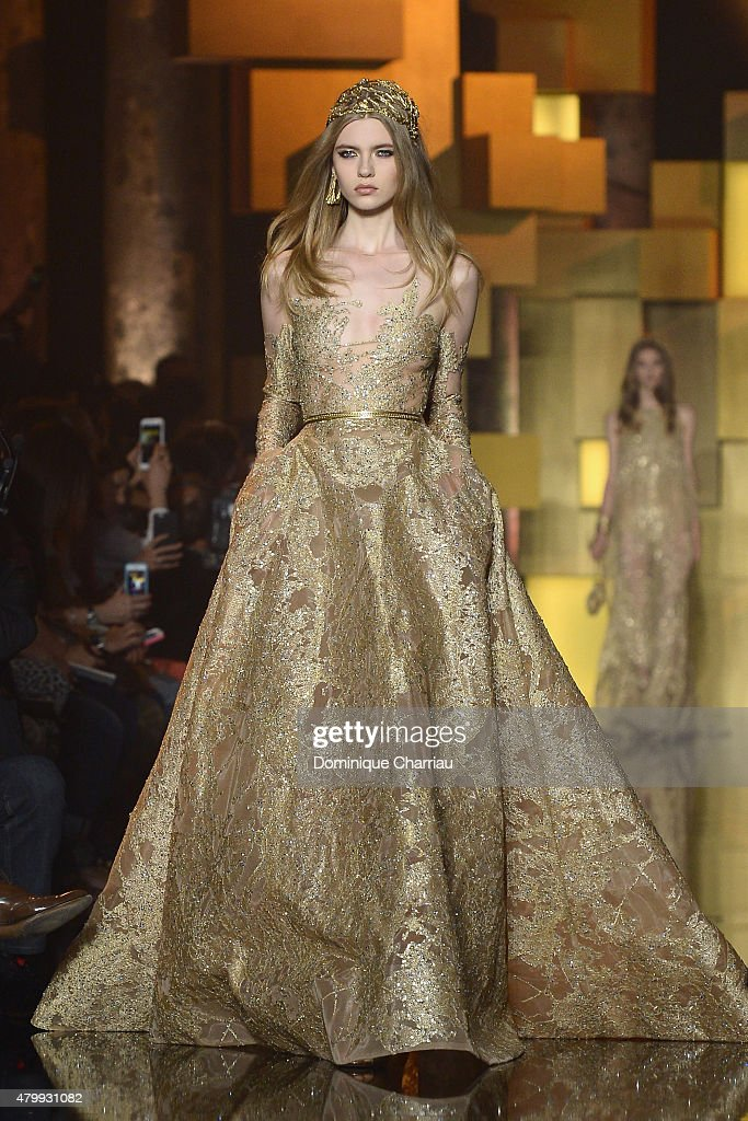 Elie Saab : Runway - Paris Fashion Week - Haute Couture Fall/Winter 2015/2016 : News Photo