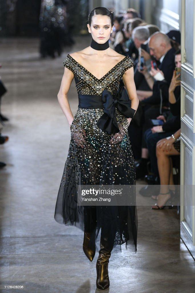 Elie Saab : Runway - Paris Fashion Week Womenswear Fall/Winter 2019/2020 : News Photo
