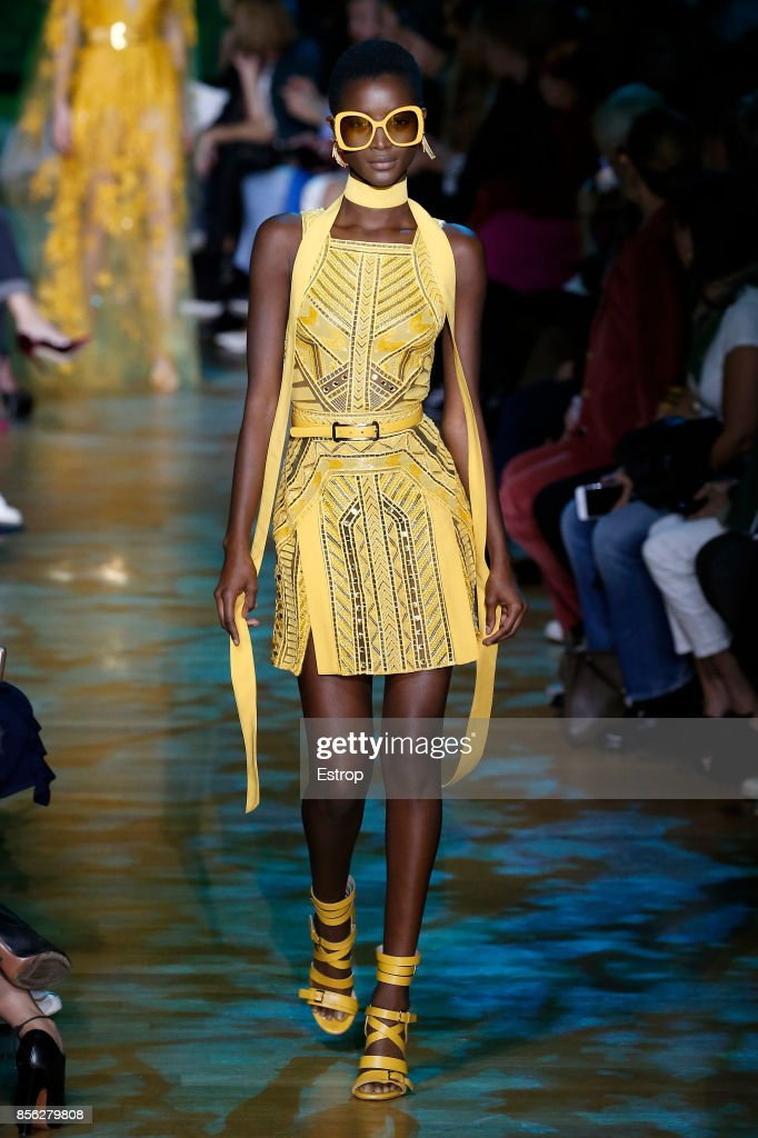 Elie Saab : Runway - Paris  Fashion Week Womenswear Spring/Summer 2018 : ニュース写真