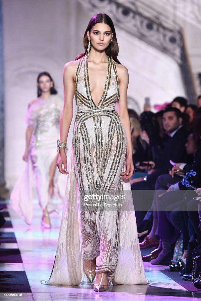 Elie Saab : Runway - Paris Fashion Week - Haute Couture Spring Summer 2018 : News Photo