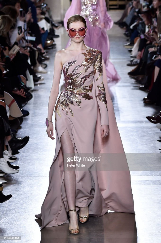 Elie Saab : Runway - Paris Fashion Week - Haute Couture Spring Summer 2019 : ニュース写真