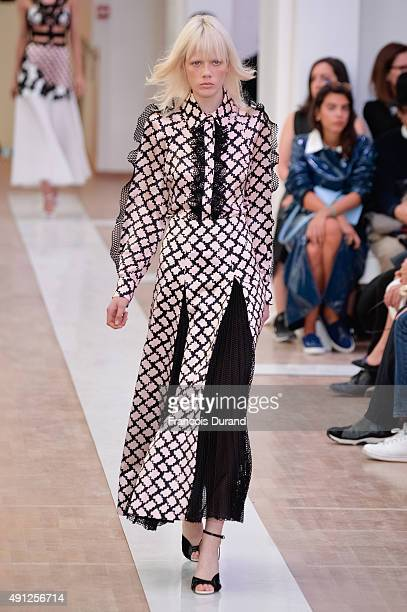 Model walks the runway during the Emanuel Ungaro show as part of the Paris Fashion Week Womenswear Spring/Summer 2016 on October 4, 2015 in Paris,...
