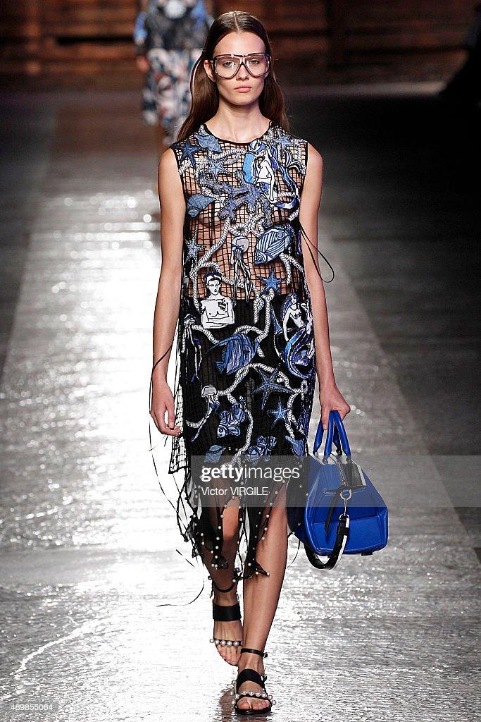Emilio Pucci - Runway - Milan Fashion Week SS16 : Fotografia de notícias