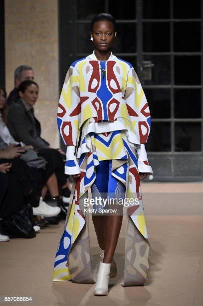 A model walks the runway during the Esteban Cortazar Paris show as part of Paris Fashion Week Womenswear Spring/Summer 2018 on October 2 2017 in...
