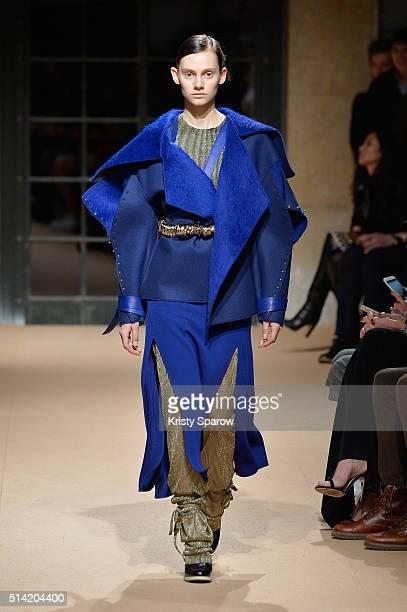 Model walks the runway during the Esteban Cortazar show as part of Paris Fashion Week Womenswear Fall/Winter 2016/2017 on March 7, 2016 in Paris,...