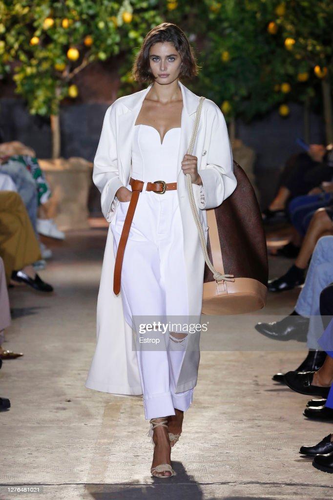 Etro - Runway - Milan Fashion Week Spring/Summer 2021 : ニュース写真