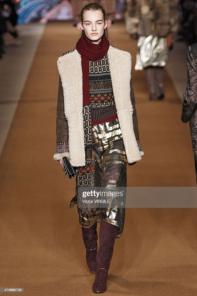 Etro - Runway - Milan Fashion Week Womenswear Autumn/Winter 2014 : News Photo