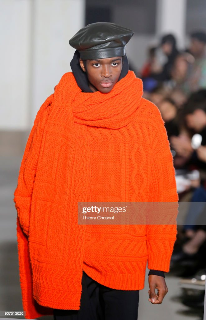 Etudes : Runway - Paris Fashion Week - Menswear F/W 2018-2019