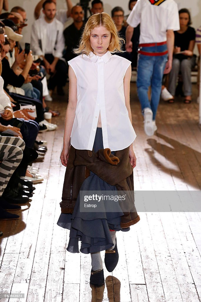 Facetasm : Runway - Paris Fashion Week - Menswear Spring/Summer 2017 : News Photo