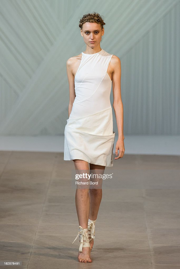 Fatima Lopes : Runway - Paris Fashion Week Womenswear  Spring/Summer 2014 : Nachrichtenfoto
