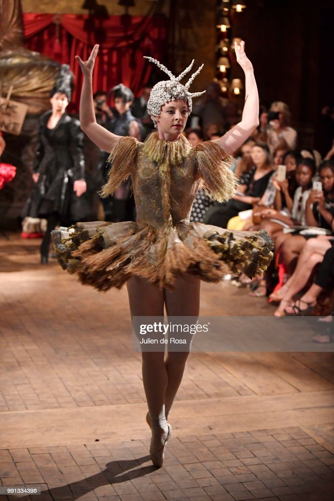 model-walks-the-runway-during-the-franck-sorbier-haute-couture-fall-picture-id991334396