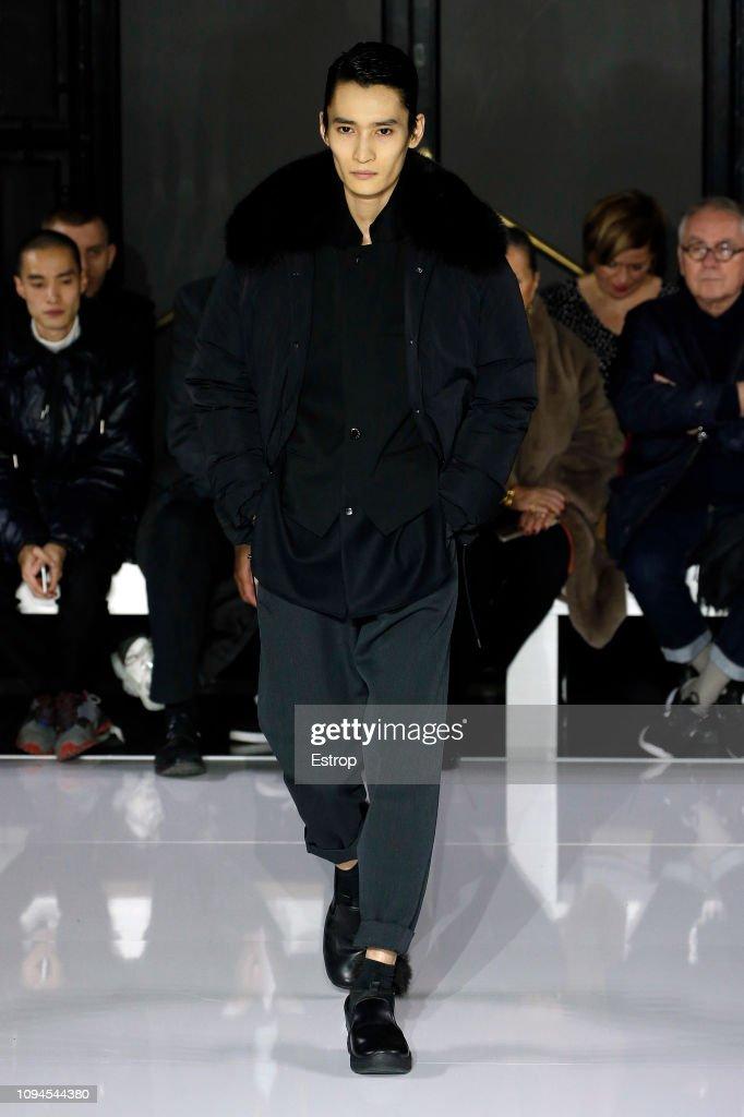 Fumito Ganryu : Runway - Paris Fashion Week - Menswear F/W 2019-2020 : ニュース写真