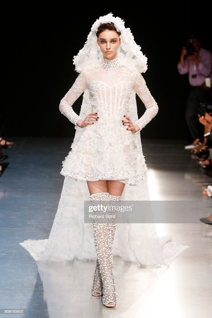 Georges Chakra : Runway - Paris Fashion Week - Haute Couture Fall/Winter 2017-2018 : News Photo