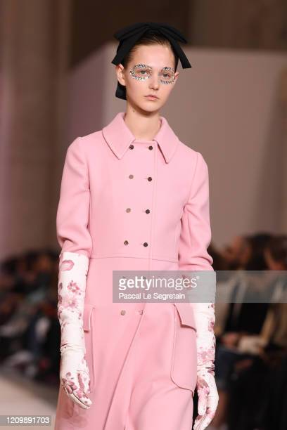 Model walks the runway during the Giambattista Valli as part of the Paris Fashion Week Womenswear Fall/Winter 2020/2021 on March 02, 2020 in Paris,...