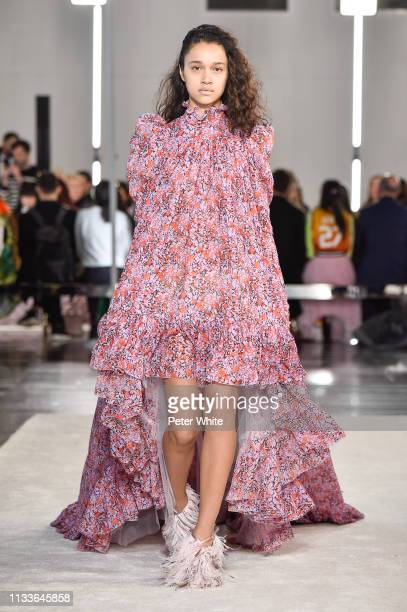 A model walks the runway during the Giambattista Valli show as part of the Paris Fashion Week Womenswear Fall/Winter 2019/2020 on March 04 2019 in...