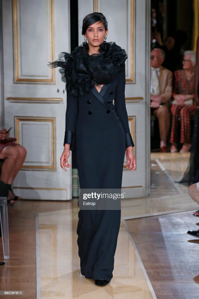 Giorgio Armani Prive : Runway - Paris Fashion Week - Haute Couture Fall Winter 2018/2019 : ニュース写真