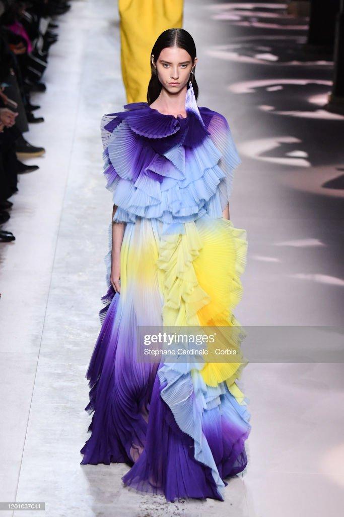 Givenchy : Runway - Paris Fashion Week - Haute Couture Spring/Summer 2020 : News Photo