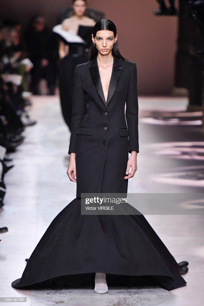 Givenchy : Runway - Paris Fashion Week - Haute Couture Spring/Summer 2020 : Photo d'actualité