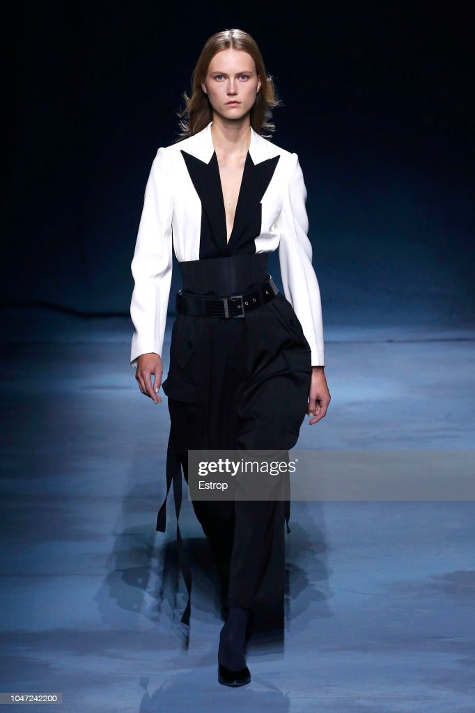 Givenchy : Runway - Paris Fashion Week Womenswear Spring/Summer 2019 : ニュース写真