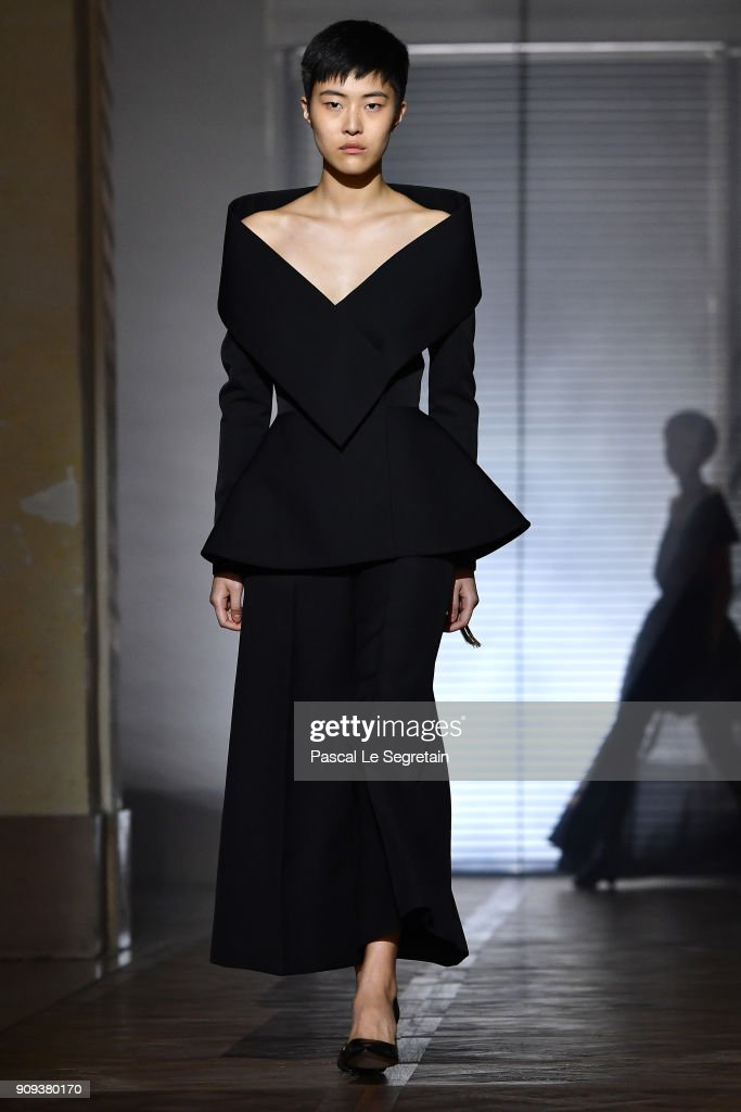 model-walks-the-runway-during-the-givenchy-spring-summer-2018-show-as-picture-id909380170