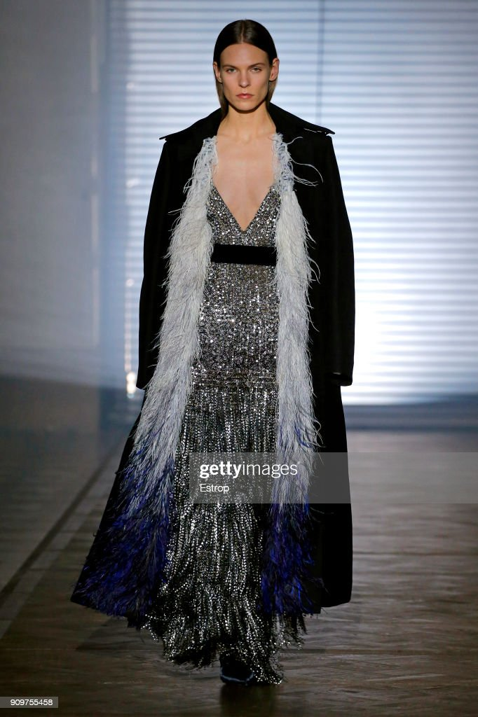 Givenchy : Runway - Paris Fashion Week - Haute Couture Spring Summer 2018 : ニュース写真
