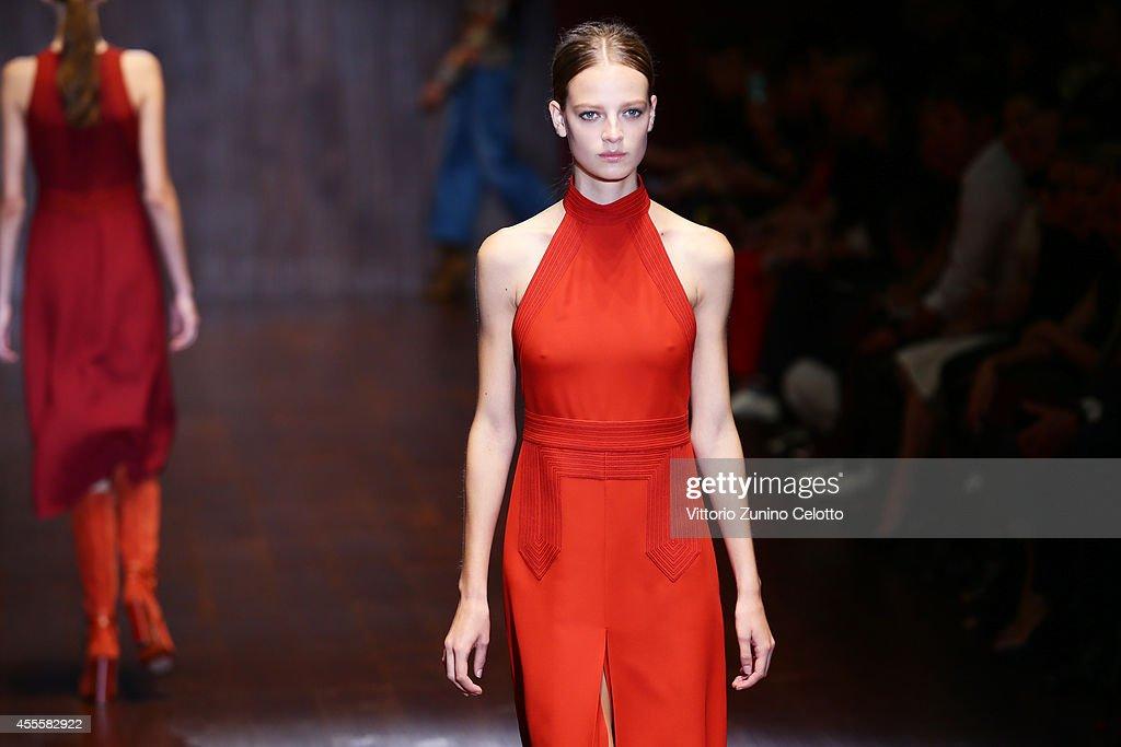 Gucci - Runway - Milan Fashion Week Womenswear Spring/Summer 2015 : News Photo