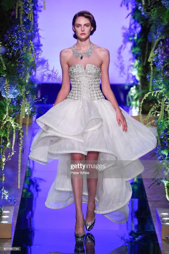 Guo Pei : Runway - Paris Fashion Week - Haute Couture Fall/Winter 2017-2018 : News Photo
