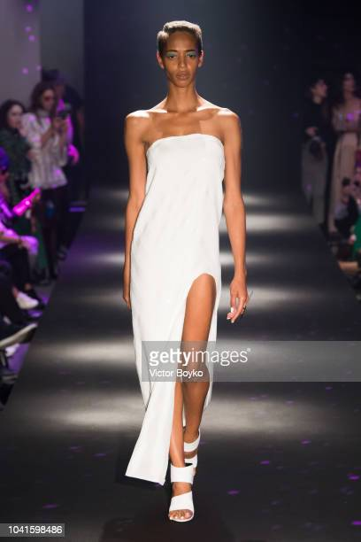 Model walks the runway during the Guy Laroche show as part of the Paris Fashion Week Womenswear Spring/Summer 2019 on September 26, 2018 in Paris,...