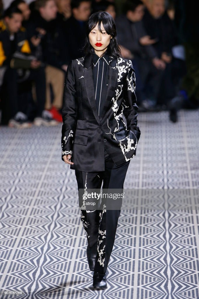 Haider Ackermann : Runway - Paris Fashion Week - Menswear F/W 2018-2019 : ニュース写真