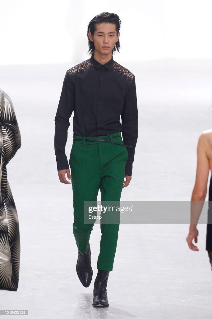 Haider Ackermann : Runway - Paris Fashion Week Womenswear Spring/Summer 2019 : ニュース写真